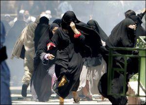 taliban-woman-running