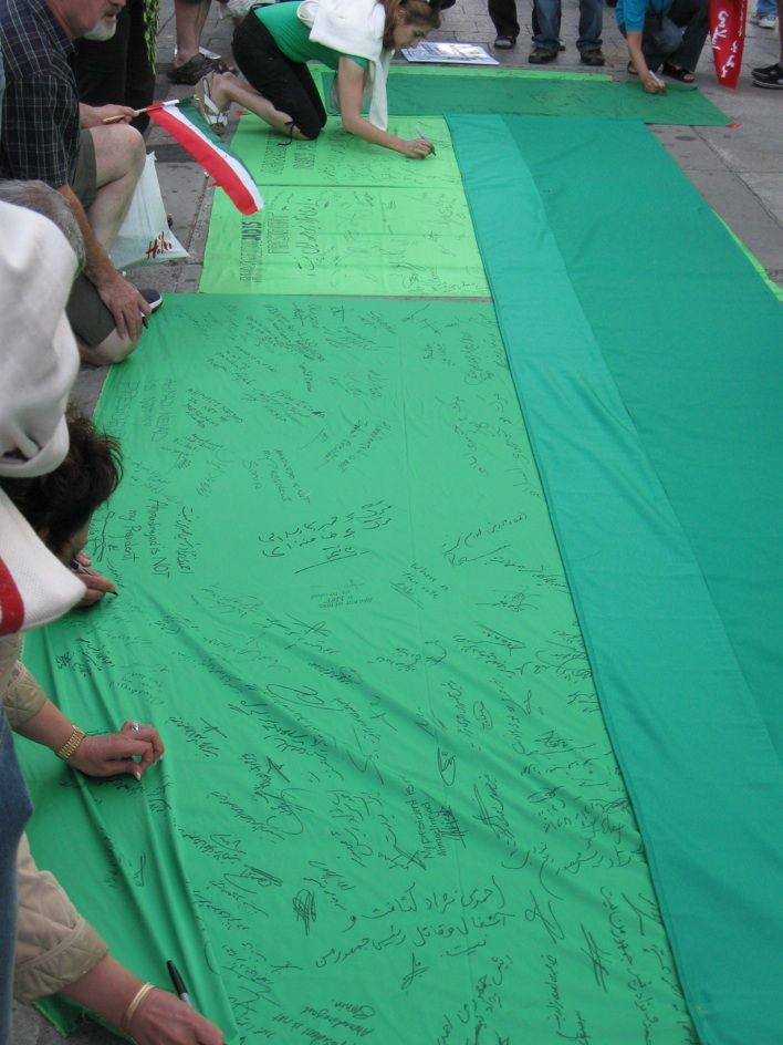Mousavi supporters collecting signatures