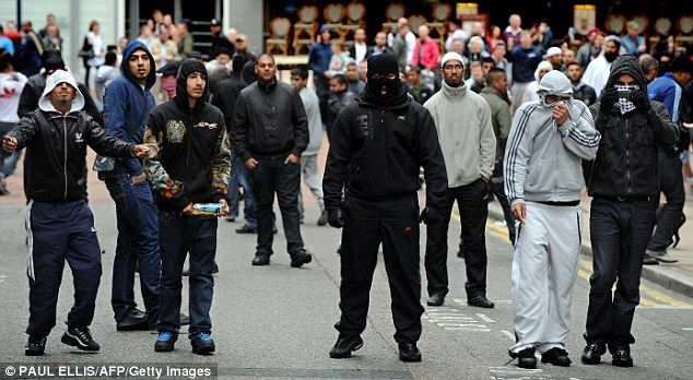 league city muslim A british muslim is to stand trial after calling british soldiers killers on facebook around 50 members of the islamophobic english defence league turned .